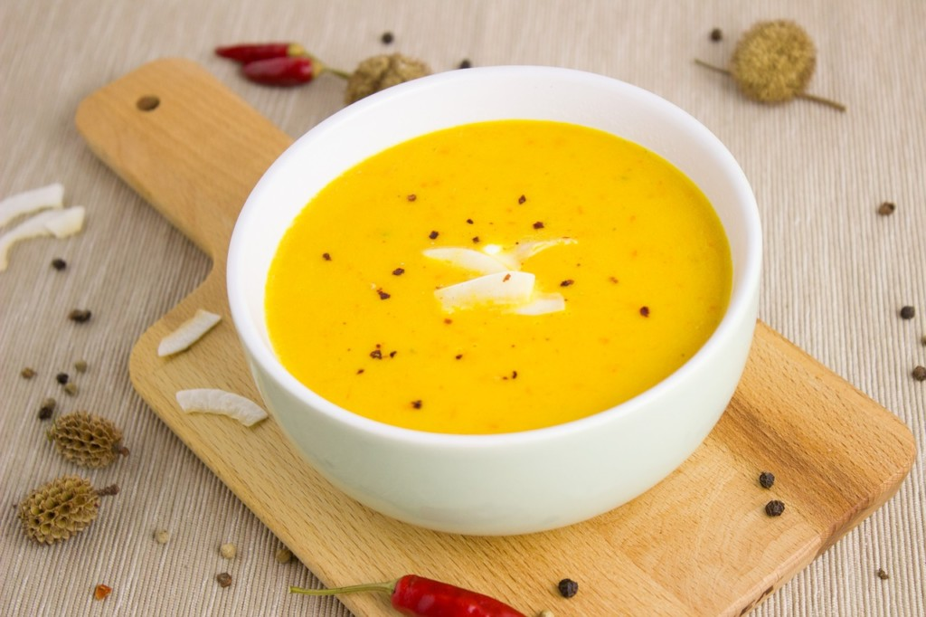 Krémová-polévka-z-dýně-Hokkaidó-s-chia-semínky-a-bylinkami-3 - Krémová polévka z dýně Hokkaidó s chia semínky a bylinkami