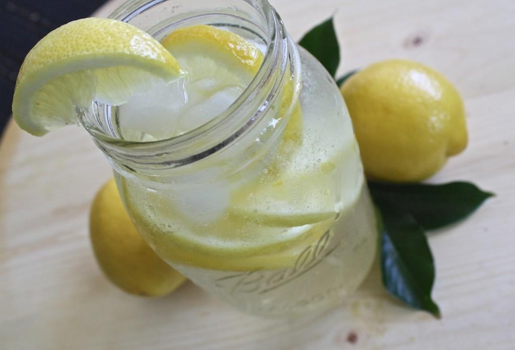 citronova-voda - 15 babských rad, které pomohou zatočit se zácpou