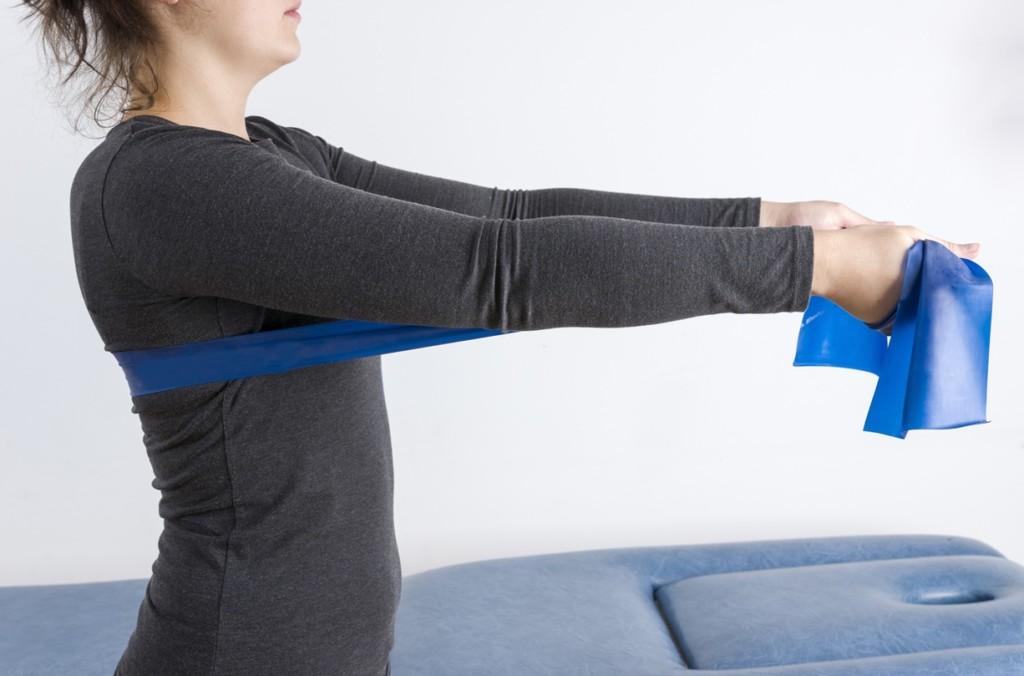 cvičení-s-posilovací-gumou-2 - Rychlý & efektivní trénink s posilovací gumou
