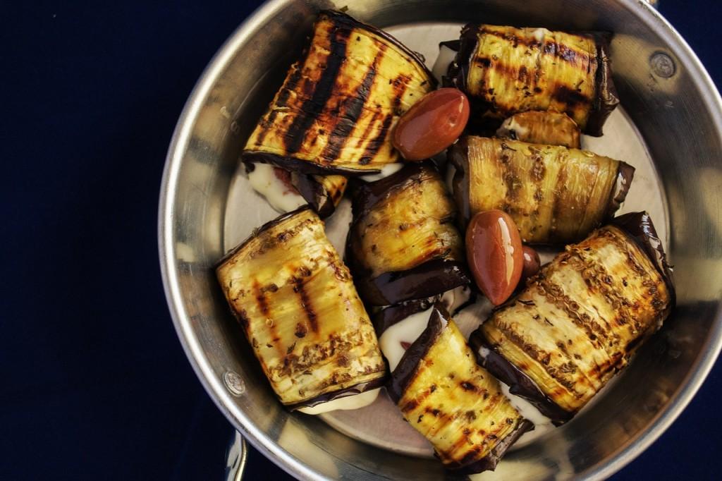 grilovaná-zelenina - Zapečený lilek s cuketou, cherry rajčátky, bylinkami a parmazánem
