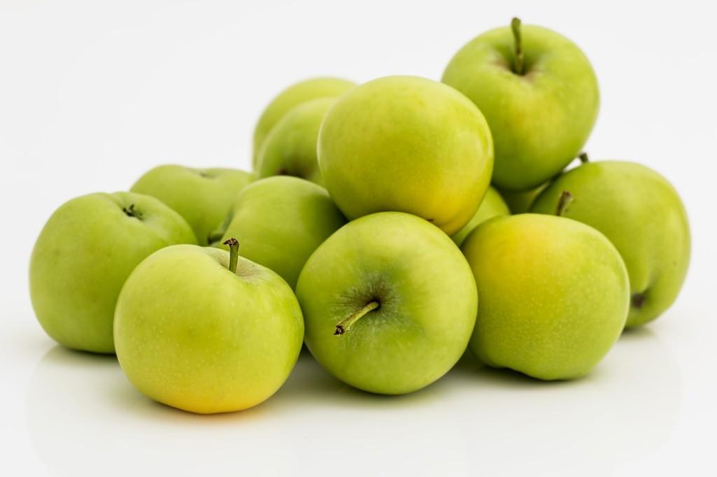 jablka - 12 nejlepších triků pro snadné hubnutí, které musíte ještě letos vyzkoušet
