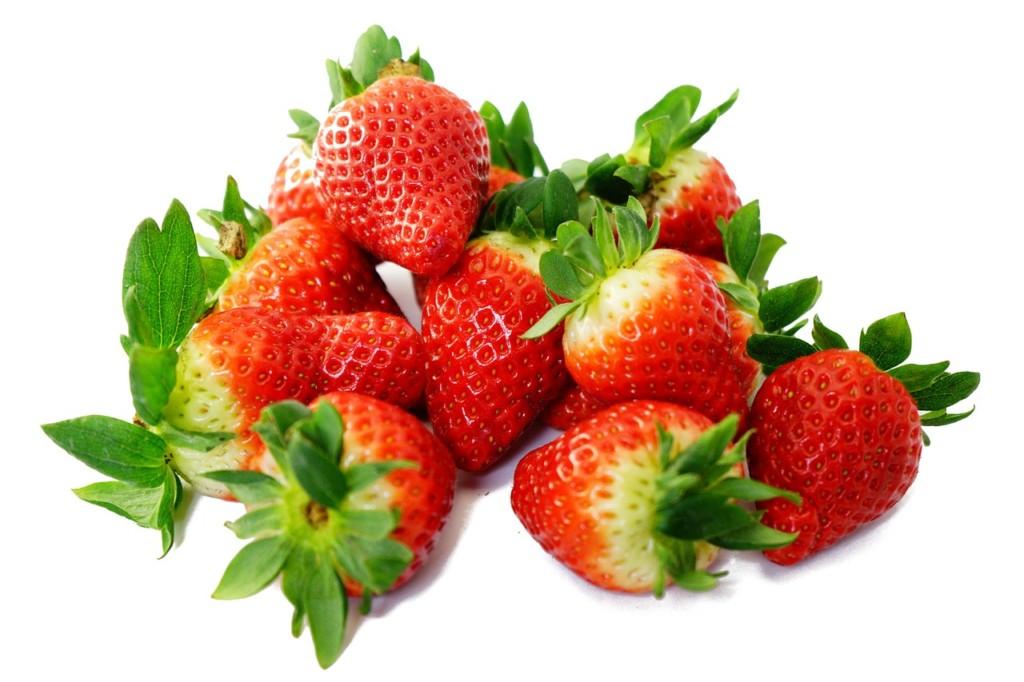 jahody - Babské rady zatočí s kruhy pod očima. Máme jich pro vás rovnou devět!