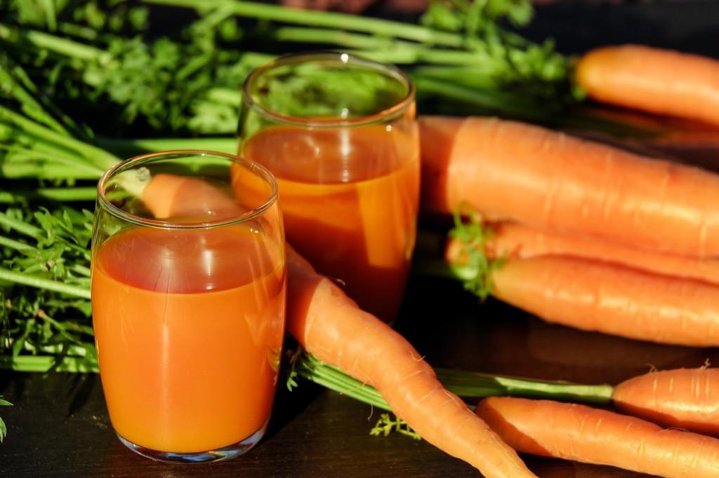 mrkev-pití - Dietní mrkvová polévka se šťávou z pomerančů