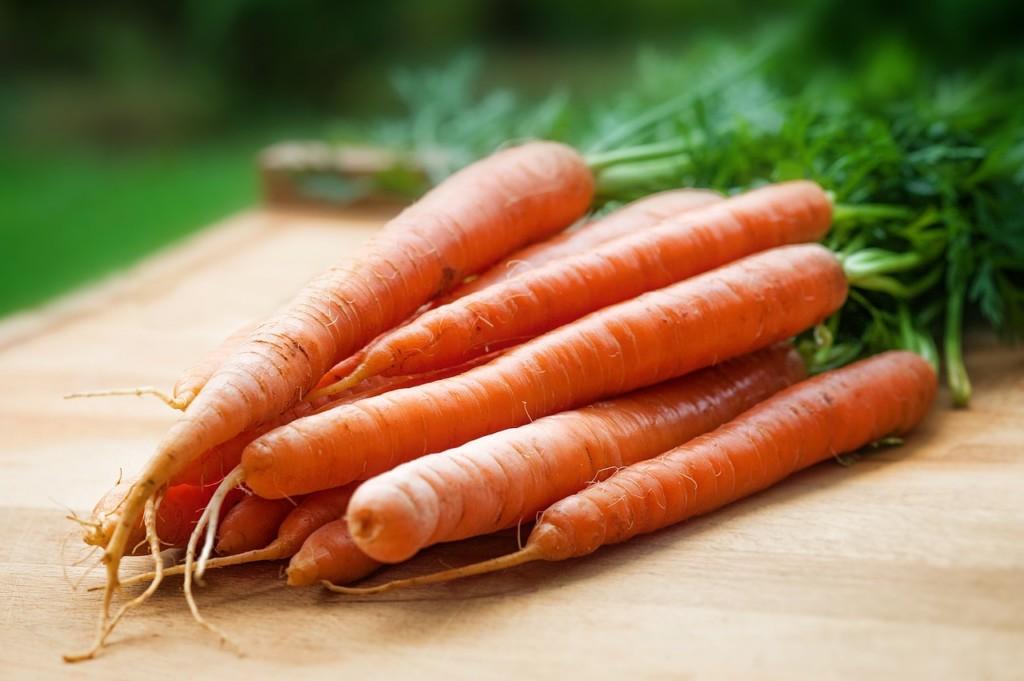 mrkev - Dietní mrkvová polévka se šťávou z pomerančů