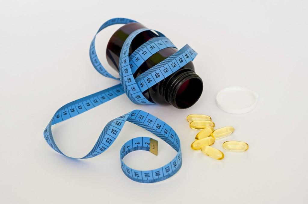 """tabletky-hubnuti - """"Zázračné pilulky a hubnoucí koktejly mi zničily život,"""" svěřuje se čtenářka Marcela"""